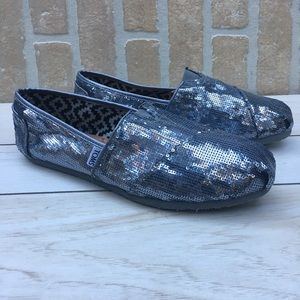 Toms Classic Pewter Silver Sparkle Slip On Loafers